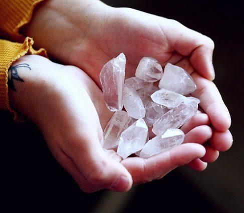 reiki-purifier-recharger-les-pierres