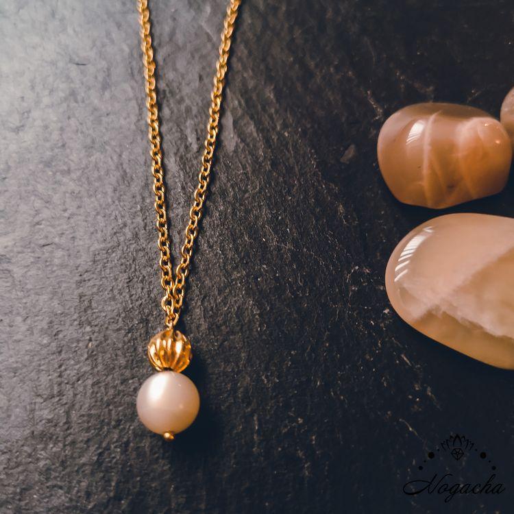 collier-feminite-pierre-de-lune-luna