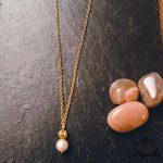 collier-pierre-de-lune-feminite-luna