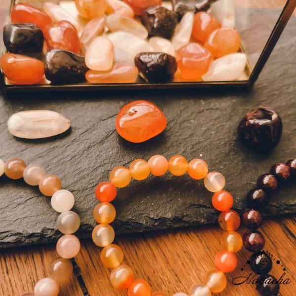 bracelet-fecondite-cornaline-pierre-de-lune-perle-nacre