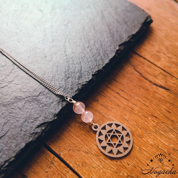 collier-chakra-coeur-pendentif-quartz-rose