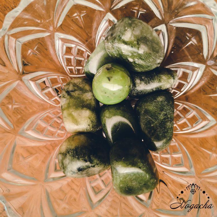 pierre-roulee-jade-nephrite
