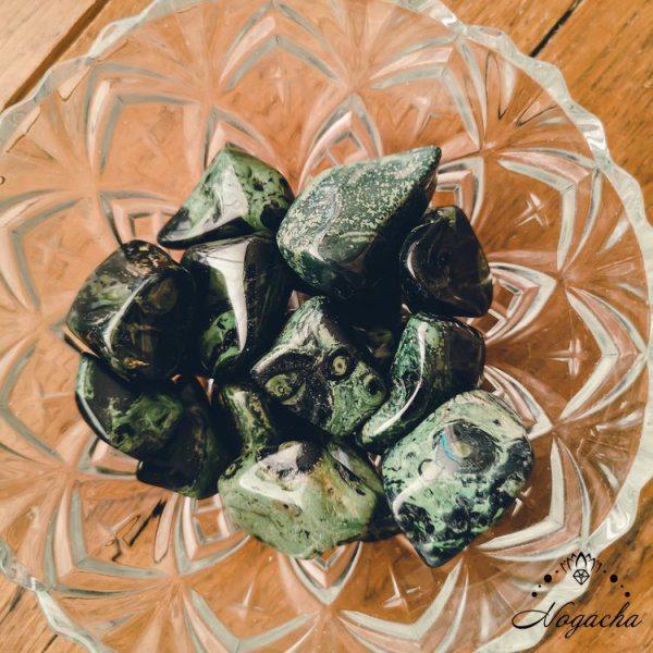 pierre-roulee-jaspe-kambaba