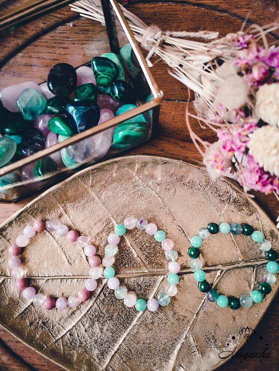 bracelet-en-pierres-charkra-coeur-authentique