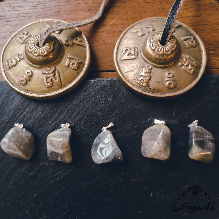 pendentif-pierre-roulee-labradorite