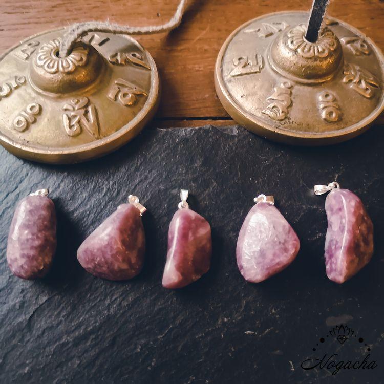 pendentif-pierre-roulee-lepidolite