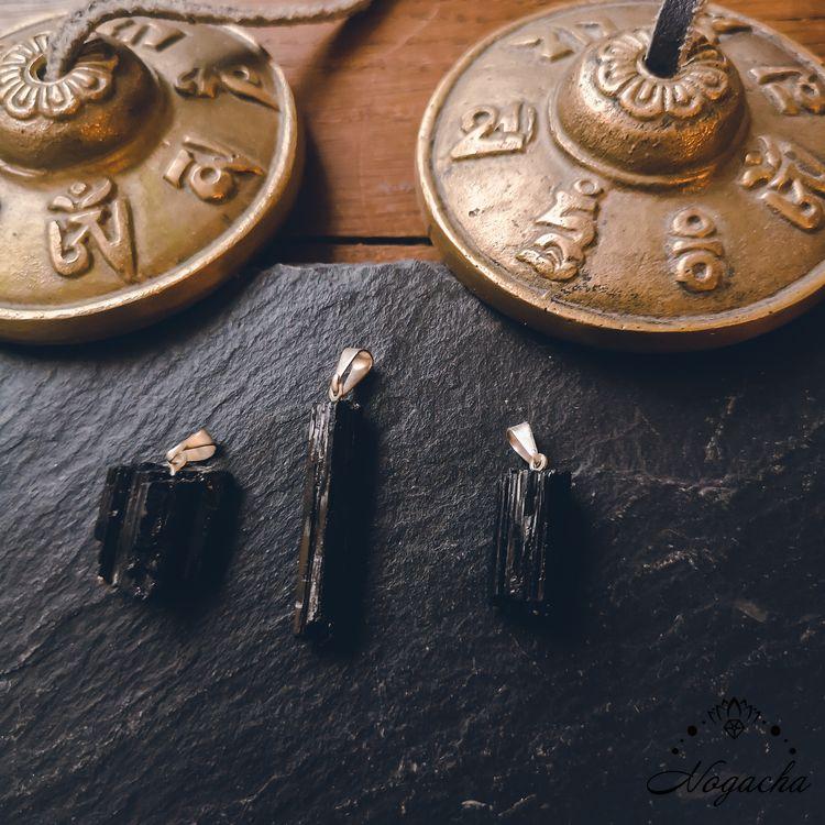 pendentif-pierre-roulee-tourmaline