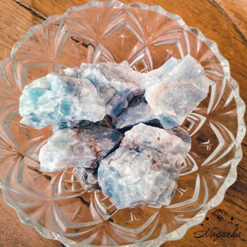 pierre-brute-calcite-bleu