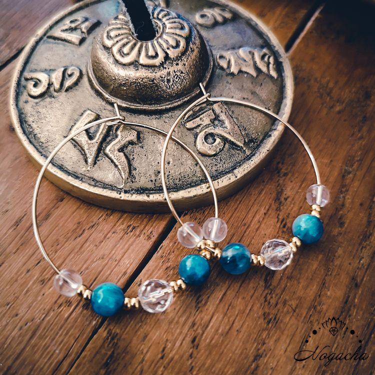 nouvelle-r-boucles-oreilles-creoles-realignement-cyanite-cristal-de-roche