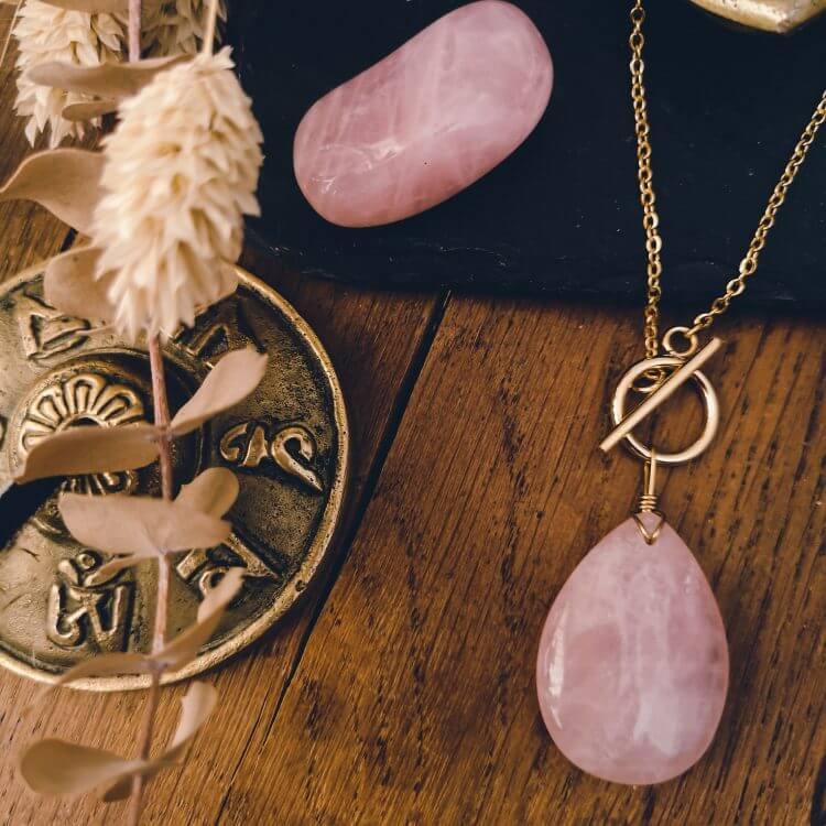 nouvelle-r-collier-reconciliation-quartz-rose