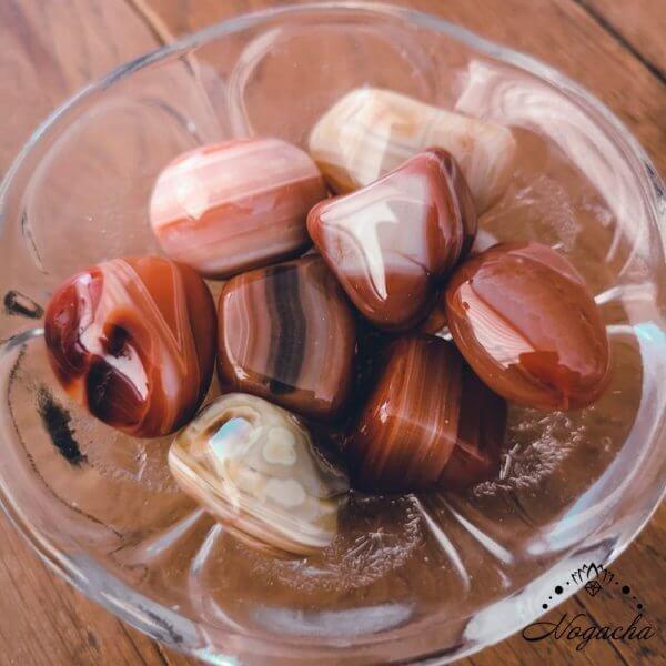 pierre-roulee-lyon-cornaline-rubane