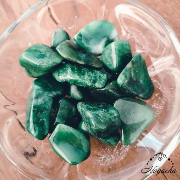 pierre-roulee-lyon-jade-africain-budstone
