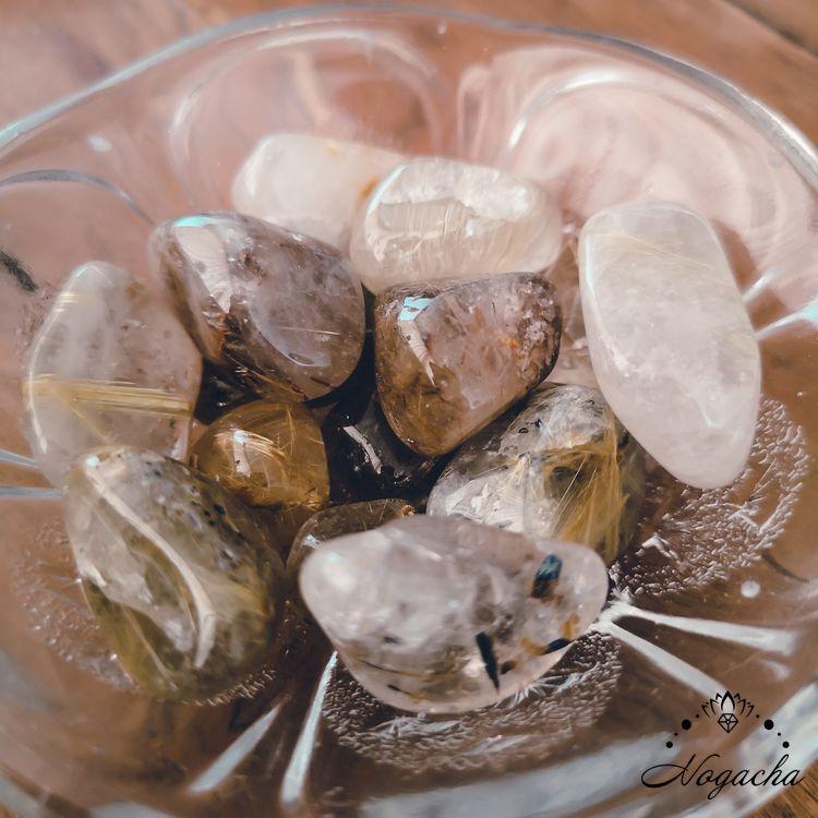 pierre-roulee-lyon-quartz-rutile