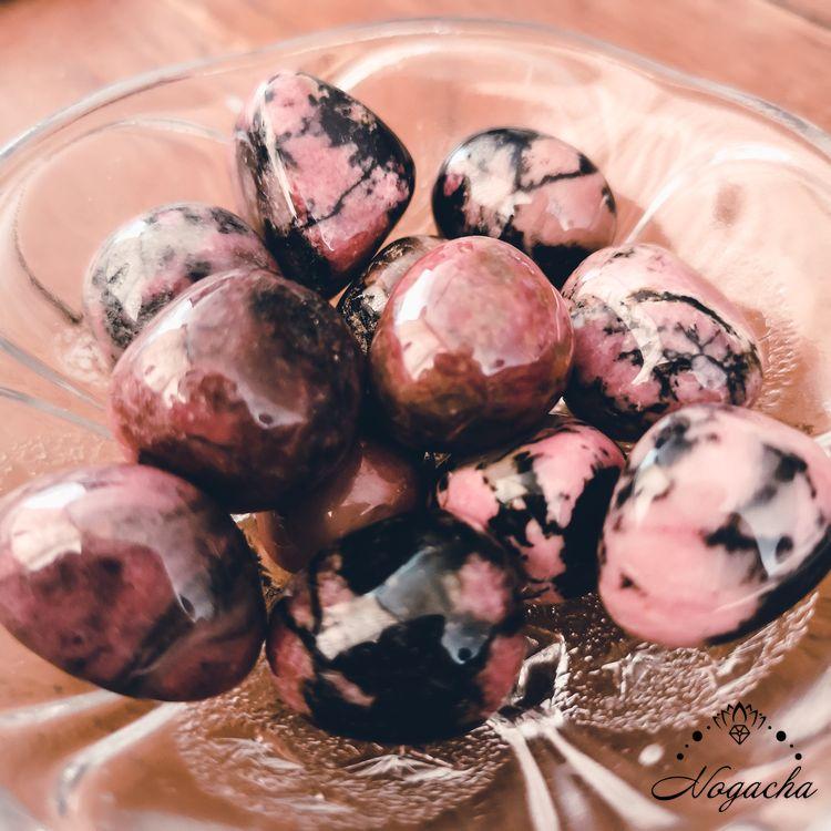 pierre-roulee-lyon-rhodonite